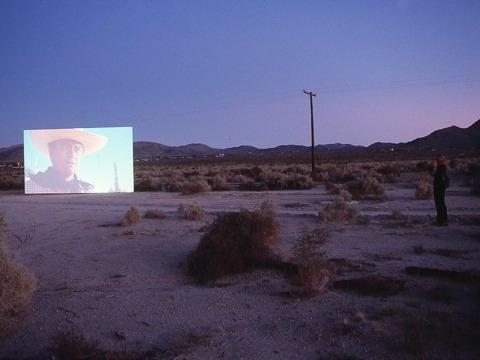Douglas Gordon »5 year drive-by«