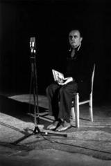 Alvin Lucier »I Am Sitting in a Room« | I Am Sitting in a Room; for voice on tape