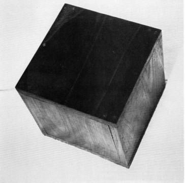 Robert Morris «The Box with the Sound of its Own Making»