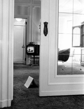 Lynn Hershman «Commercials for NY Hotel Rooms» | Plaza Hotel New York